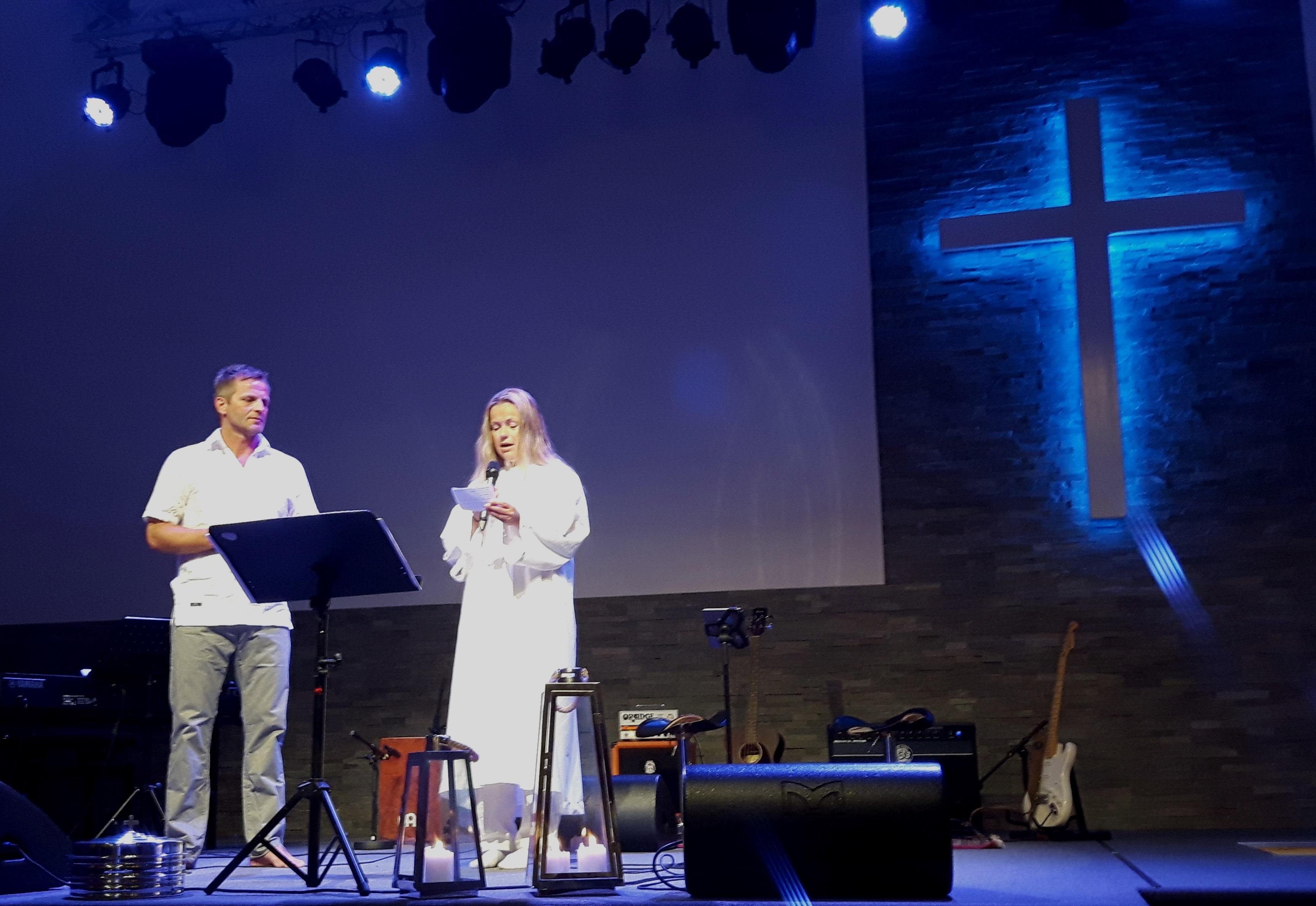 Gledelig troende dåp